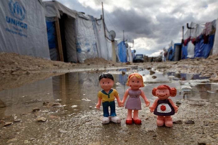 Toy children in Syrian refugee camp