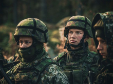 The Finnish Constitution stipulates every male Finnish citizen is obligated to participate in national defence. Image: Niko Mannonen / Yle